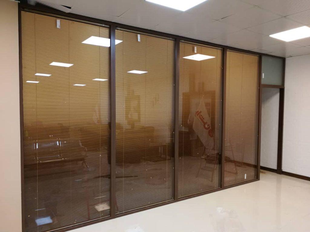 دوجداره ام دی اف تمام شیشه k200 3 1024x768 - پارتیشن اداری مدرن