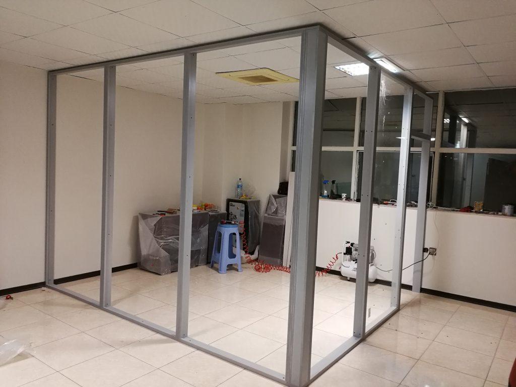 ام دی اف تمام شیشه K200 10 1024x768 - پارتیشن ام دی اف اداری