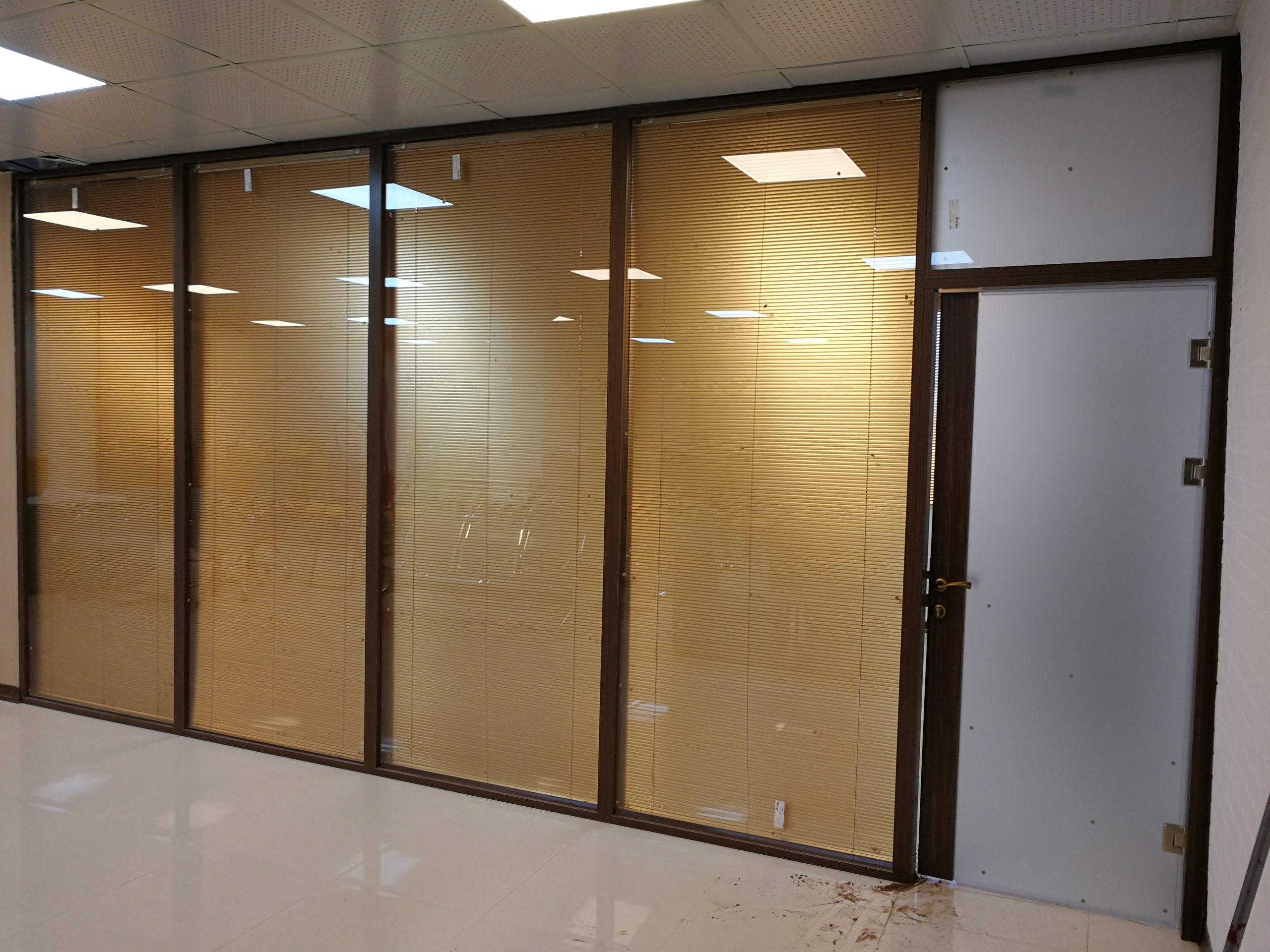 ام دی اف تمام شیشه K200 3 scaled - پارتیشن ام دی اف اداری