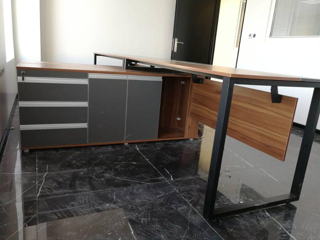 پایه فلزی پیوت v2001 10 1024x768 - میز پایه فلزی