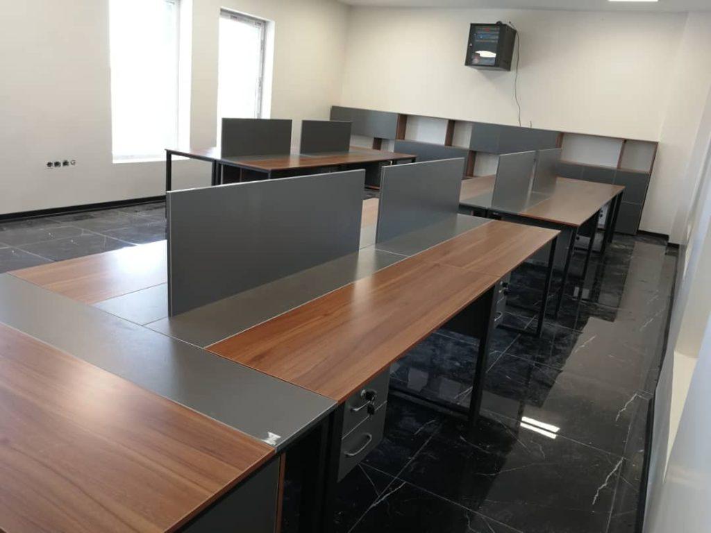 کار تیمی E 501 1024x768 - میز پایه فلزی