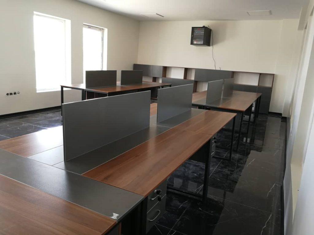 کار تیمی E 501 3 1024x768 - میز پایه فلزی