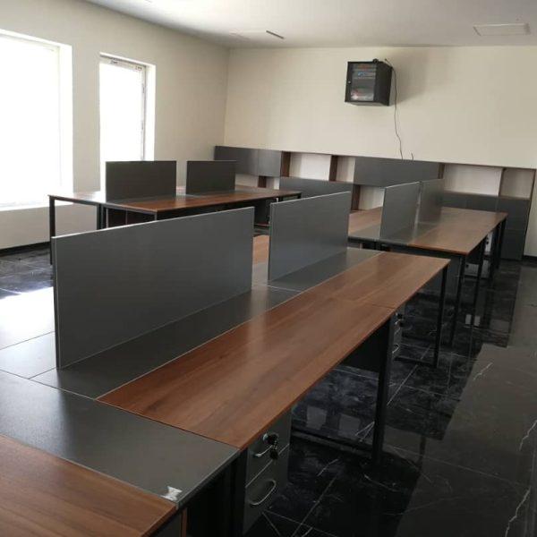 کار تیمی E 501 3 600x600 - میز پایه فلزی