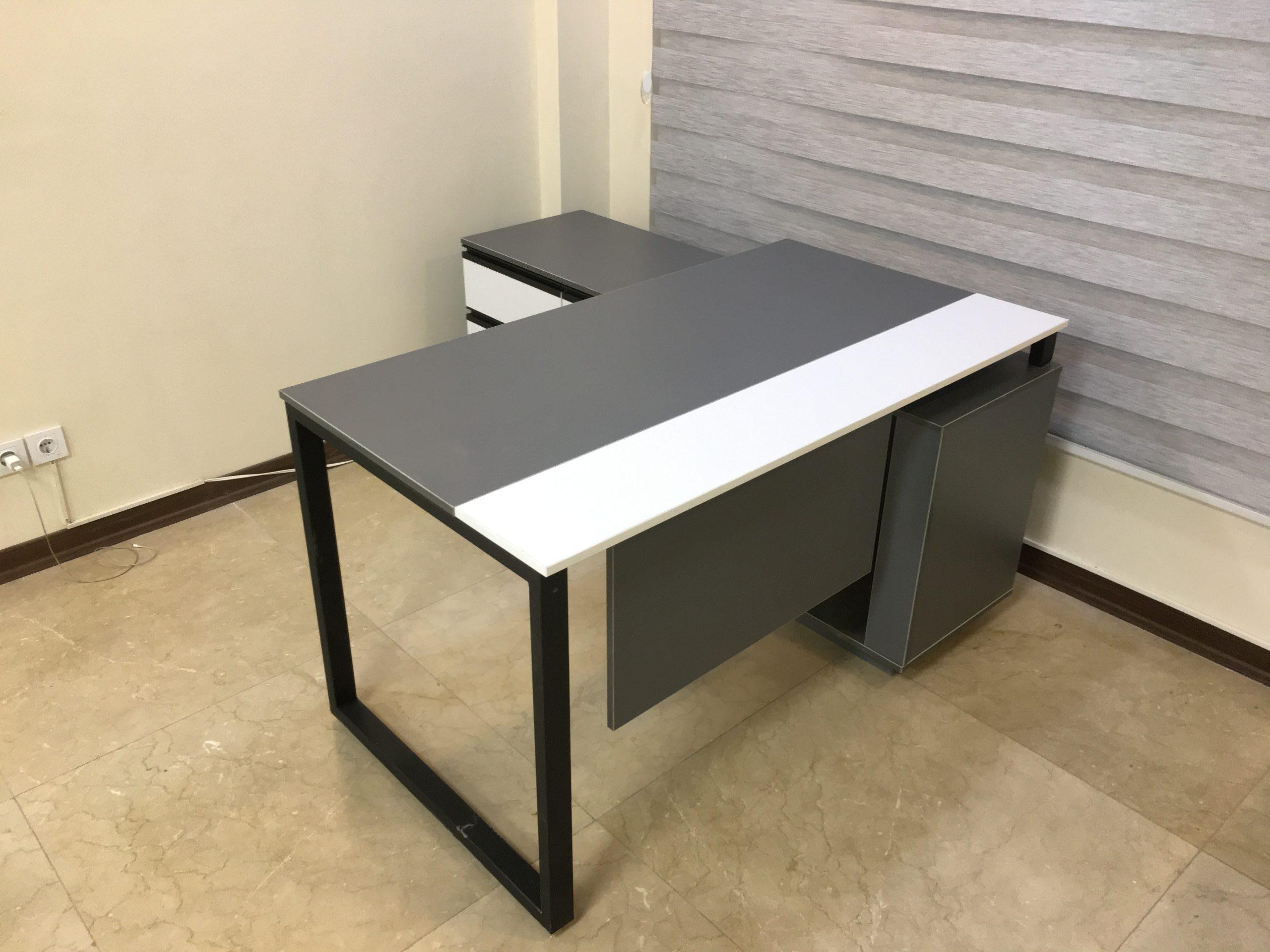 IMG 3934 scaled e1627804462300 - میز پایه فلزی